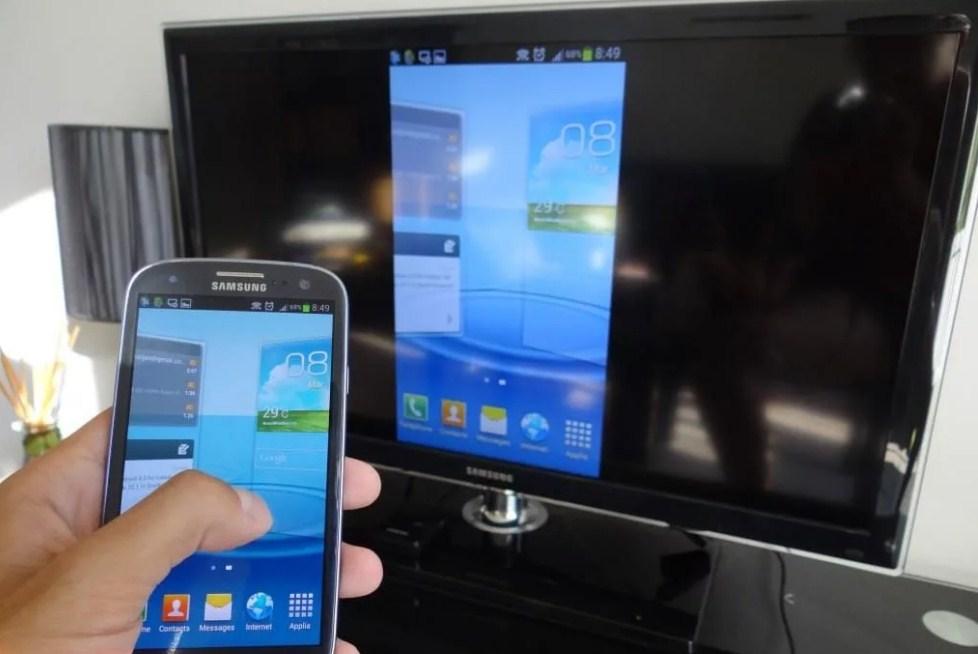 Как воспроизвести видео с телефона на телевизор?