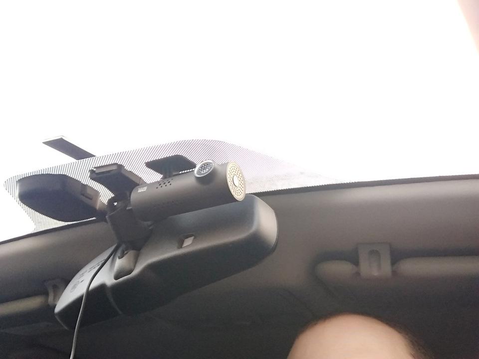 Xiaomi 70 Minutes Smart Wi-Fi Car DVR: видеорегистратор с голосовым управлением