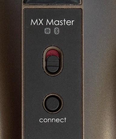 Кнопка подключения и включения у Bluetooth мыши