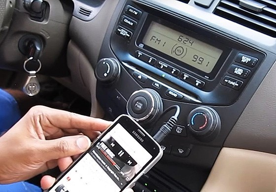 Как в машине слушать музыку через телефон: USB, AUX, Bluetooth, эмуляторы и трансмиттеры